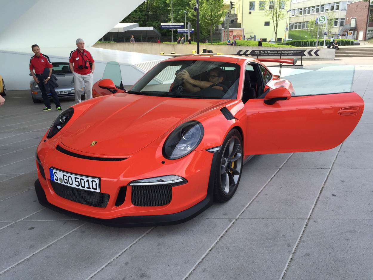Video Two Gt3 Rss And A Cayman Gt4 Spotted Outside