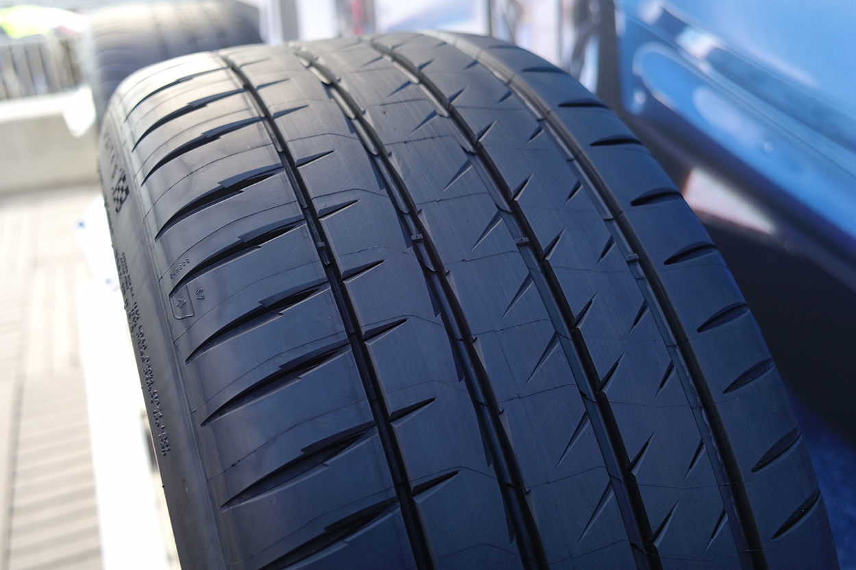 driving with new michelin pilot sport 4s tires porsche club of america. Black Bedroom Furniture Sets. Home Design Ideas