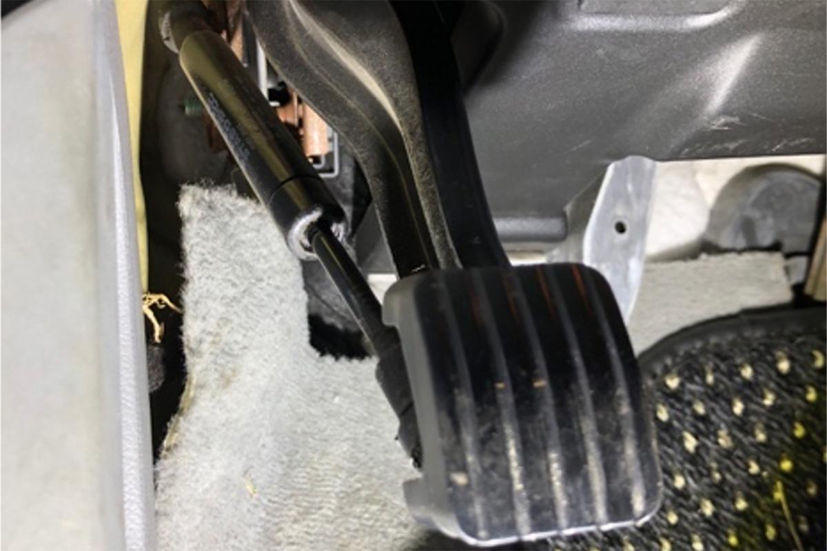 Replacing the e-brake pedal strut on your 2004-2010 Porsche Cayenne