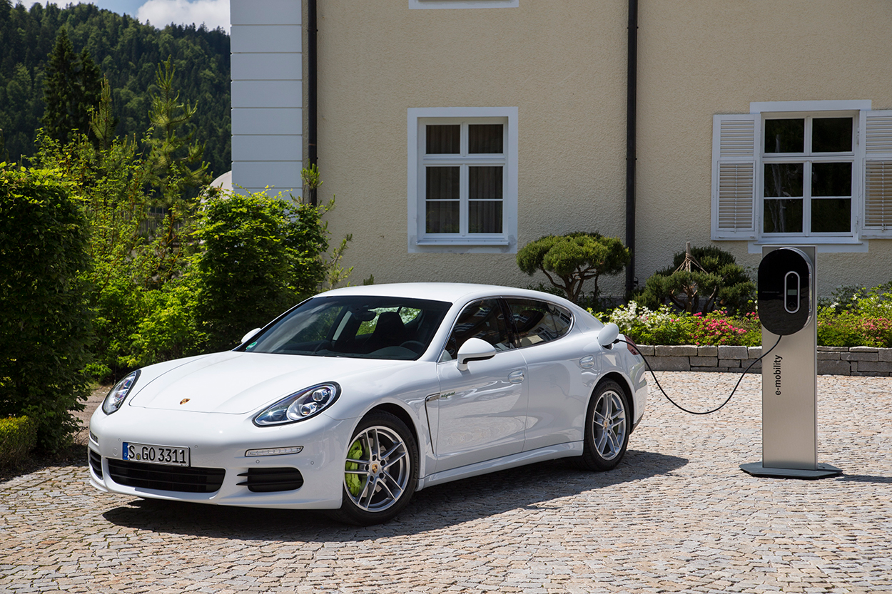 Above 2017 Porsche Panamera S E Hybrid Plug In Was The First Model Year Of Mid Cycle Update